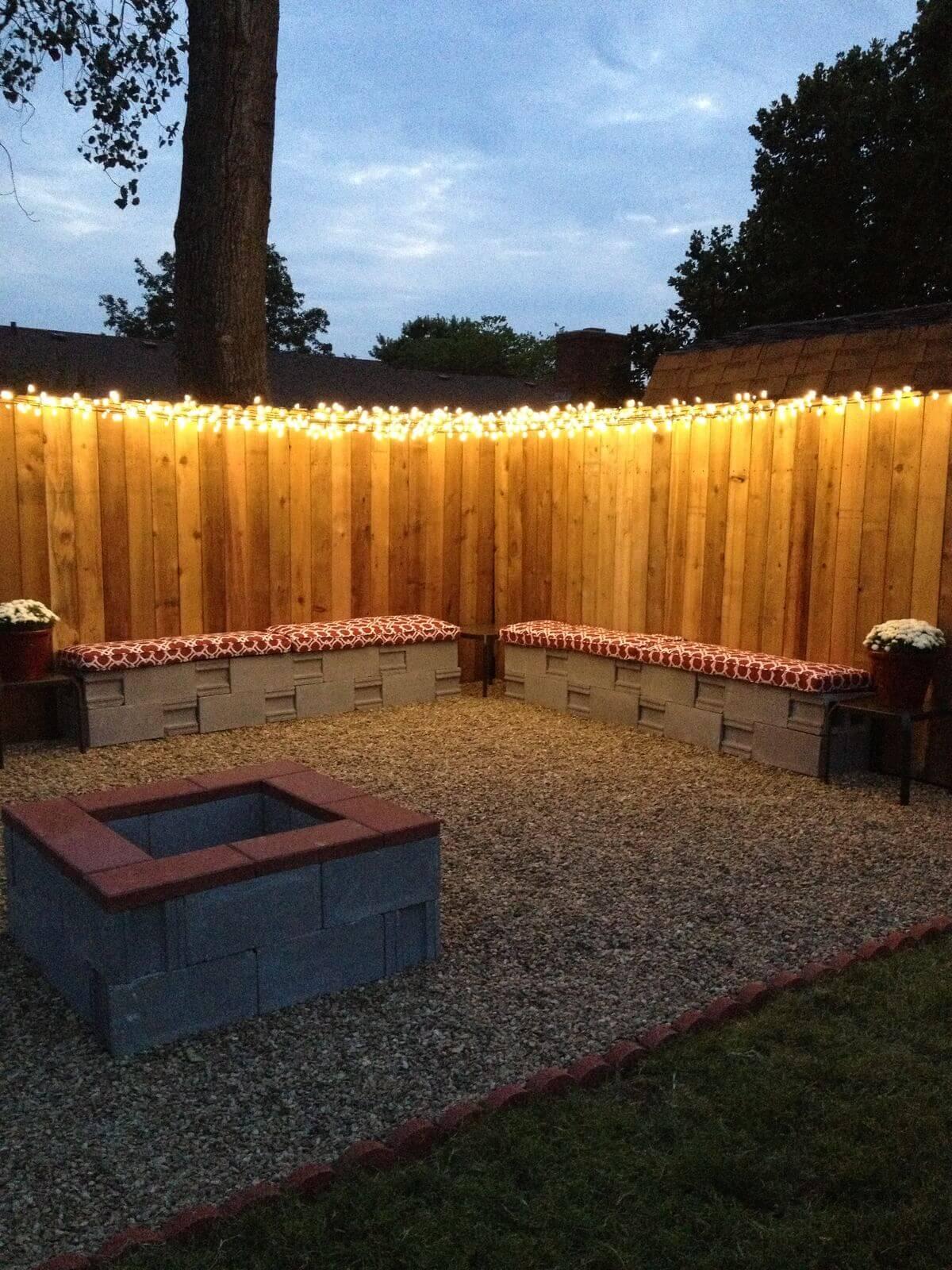 Simple Fenceline Christmas Light Illumination