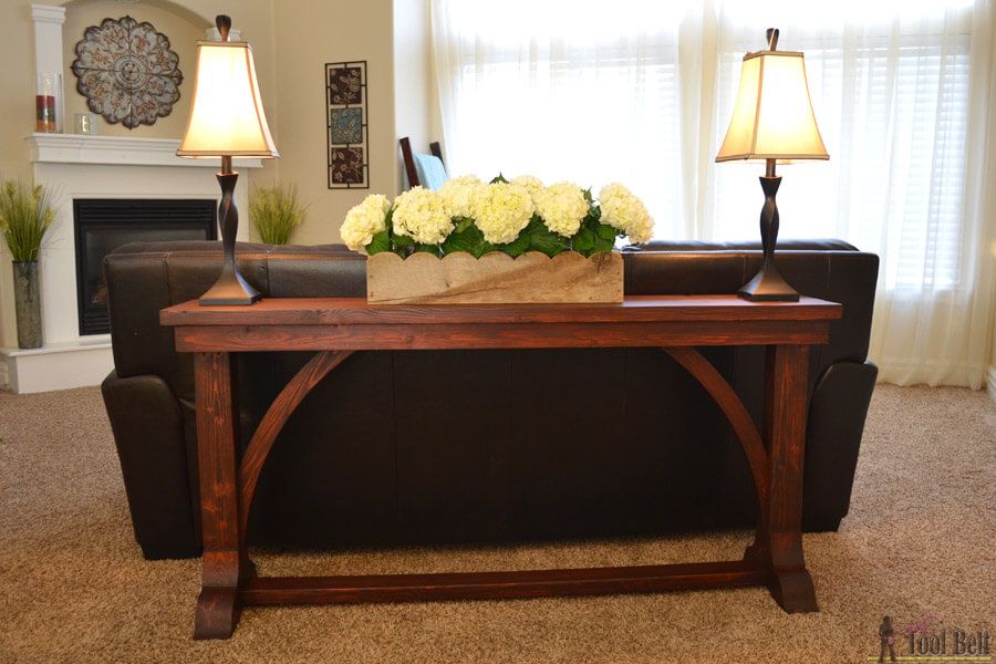 16. Cathedral Arch Wooden Sofa Table