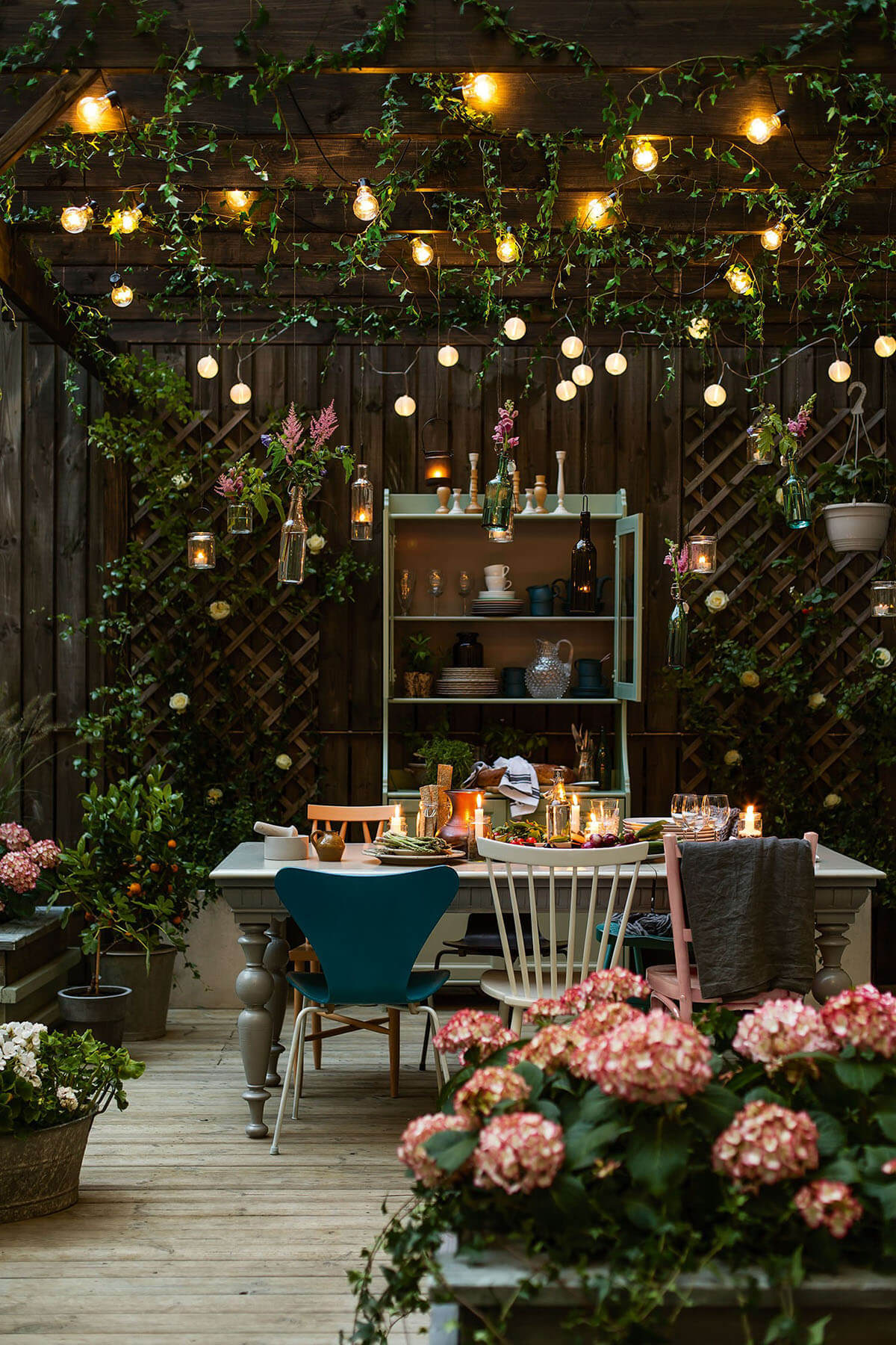 27 best backyard lighting ideas and designs for 2018 for Garden grotto designs