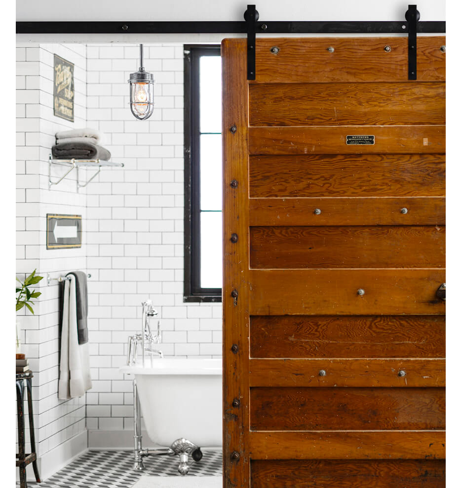 Superbe Repurposed Stage Coach Style Sliding Door