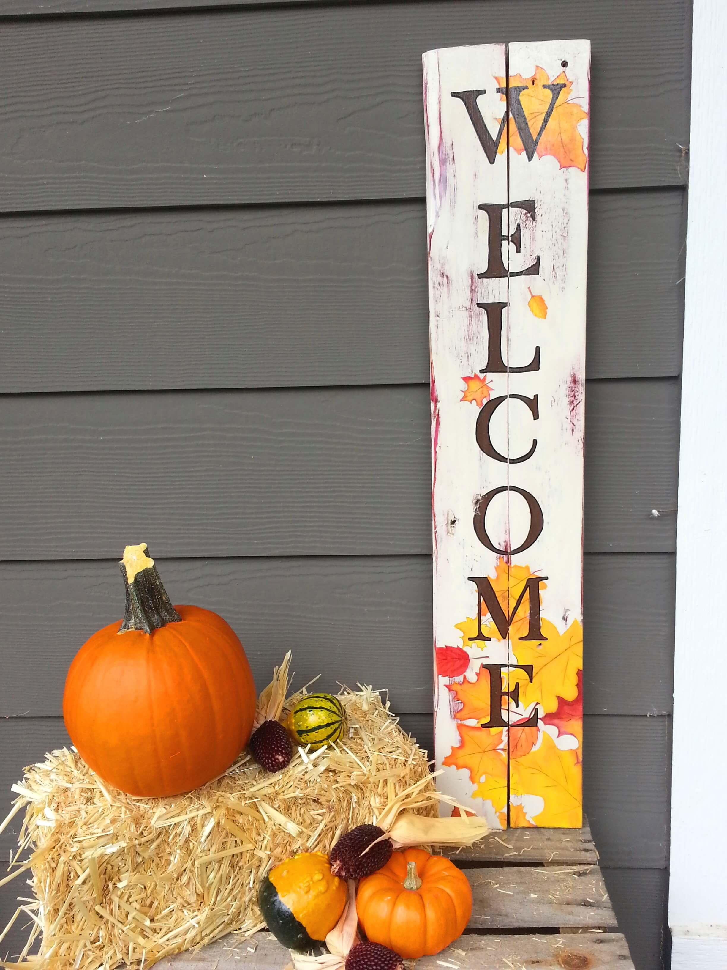 Tall Autumn Leaf Welcome Sign