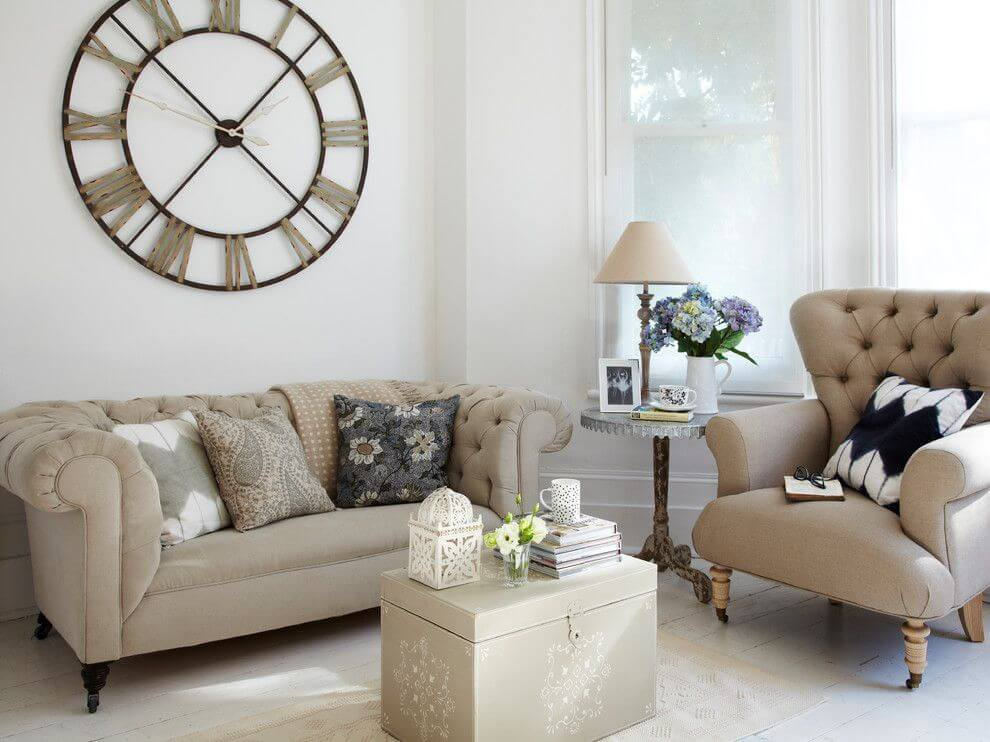 Polished Country Living Room With Tufted Seating Part 73