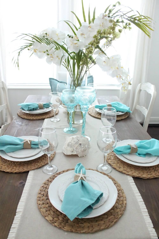 Beautiful Coastal Theme Table Décor