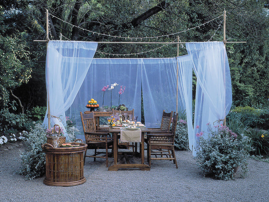 Outdoor Living E With Sheer Curtain Divider