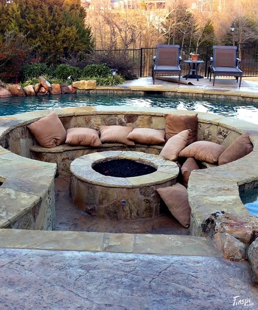 A Pit with Pillow in a Pool