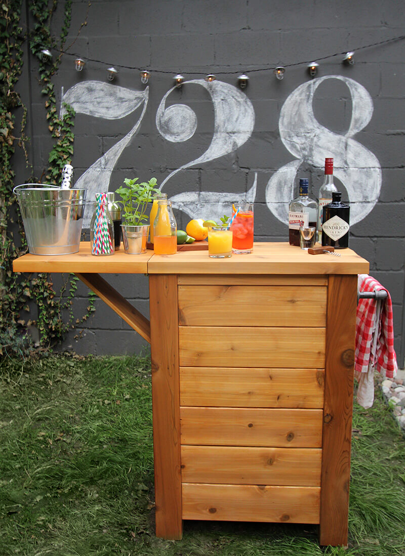 32 best diy outdoor bar ideas and designs for 2018 an outdoor bar idea made from wood diy solutioingenieria Gallery