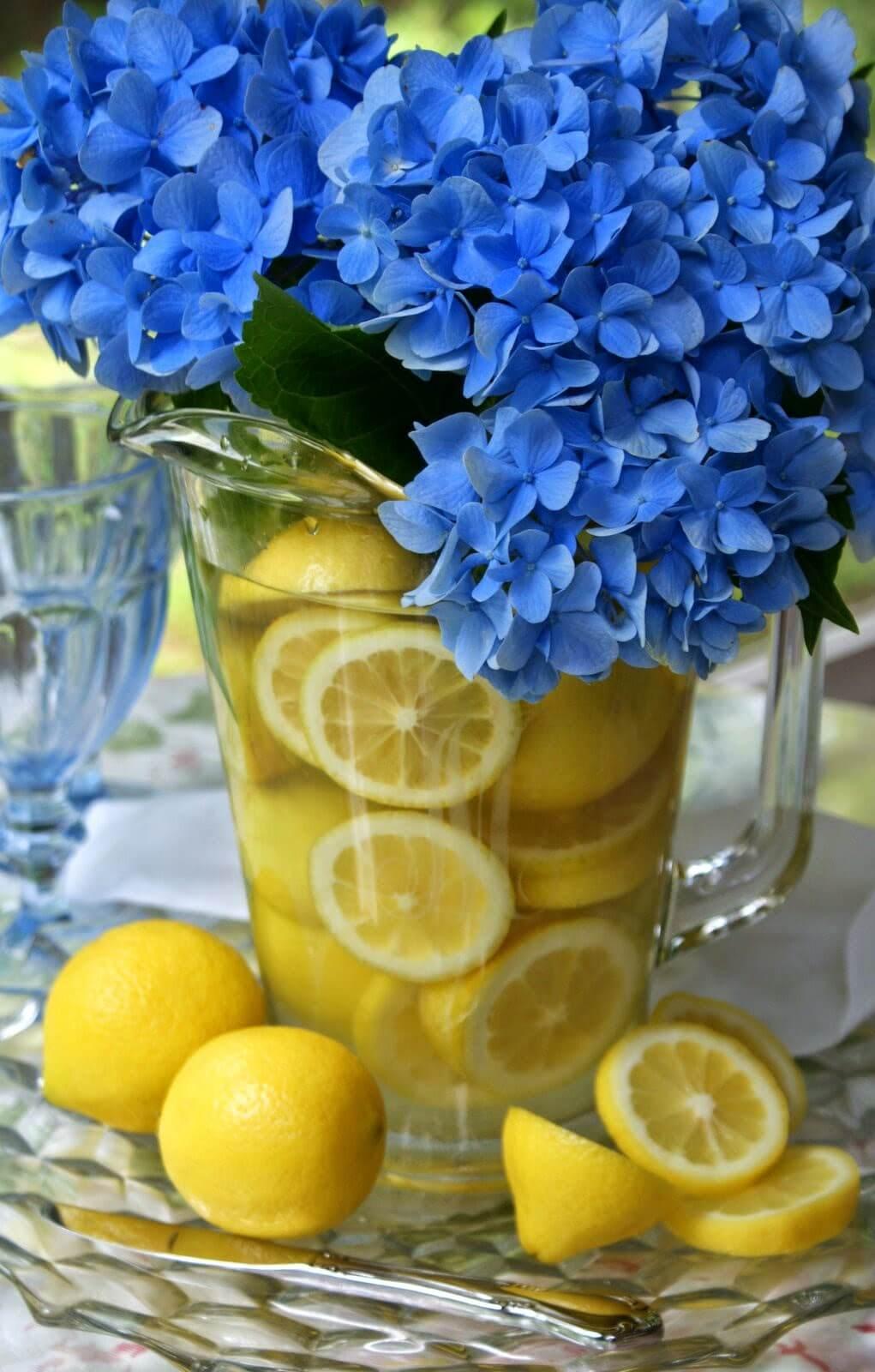 Bouquet Flower Arrangement with Sliced Lemon Vase