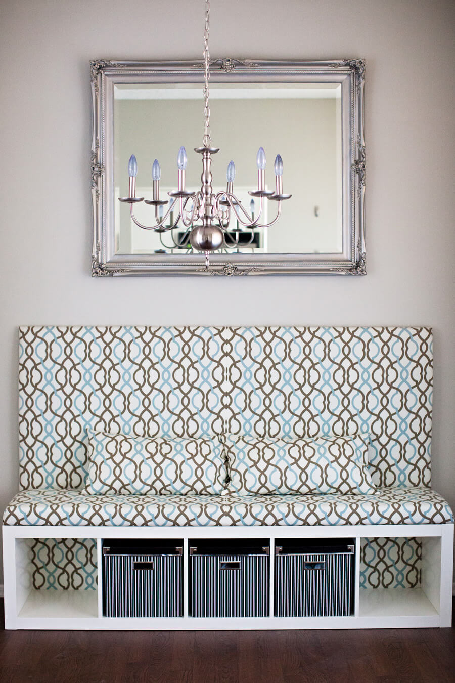 Elegant Upholstered DIY Entryway Bench