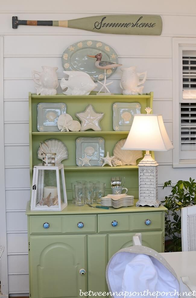 Summer House Outdoor Hutch Display