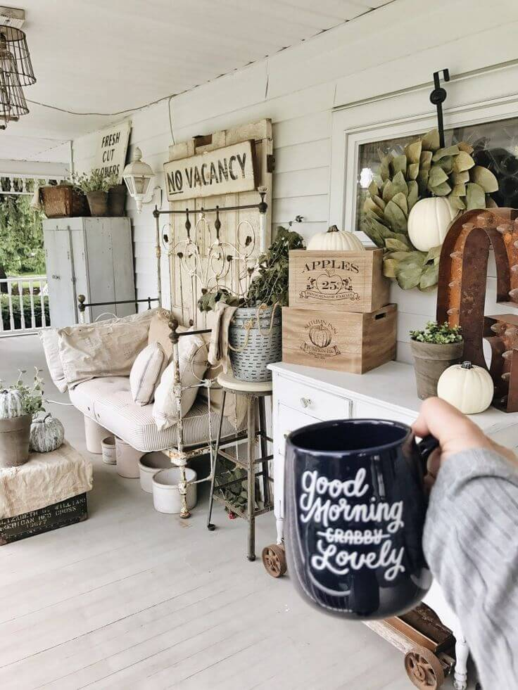 Shabby Chic B Porch Decor