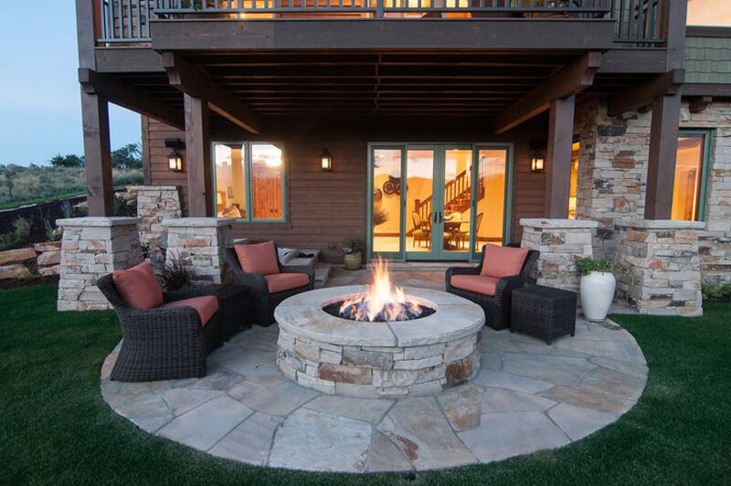 A Perfect Backyard Barbecue Spot for Entertaining
