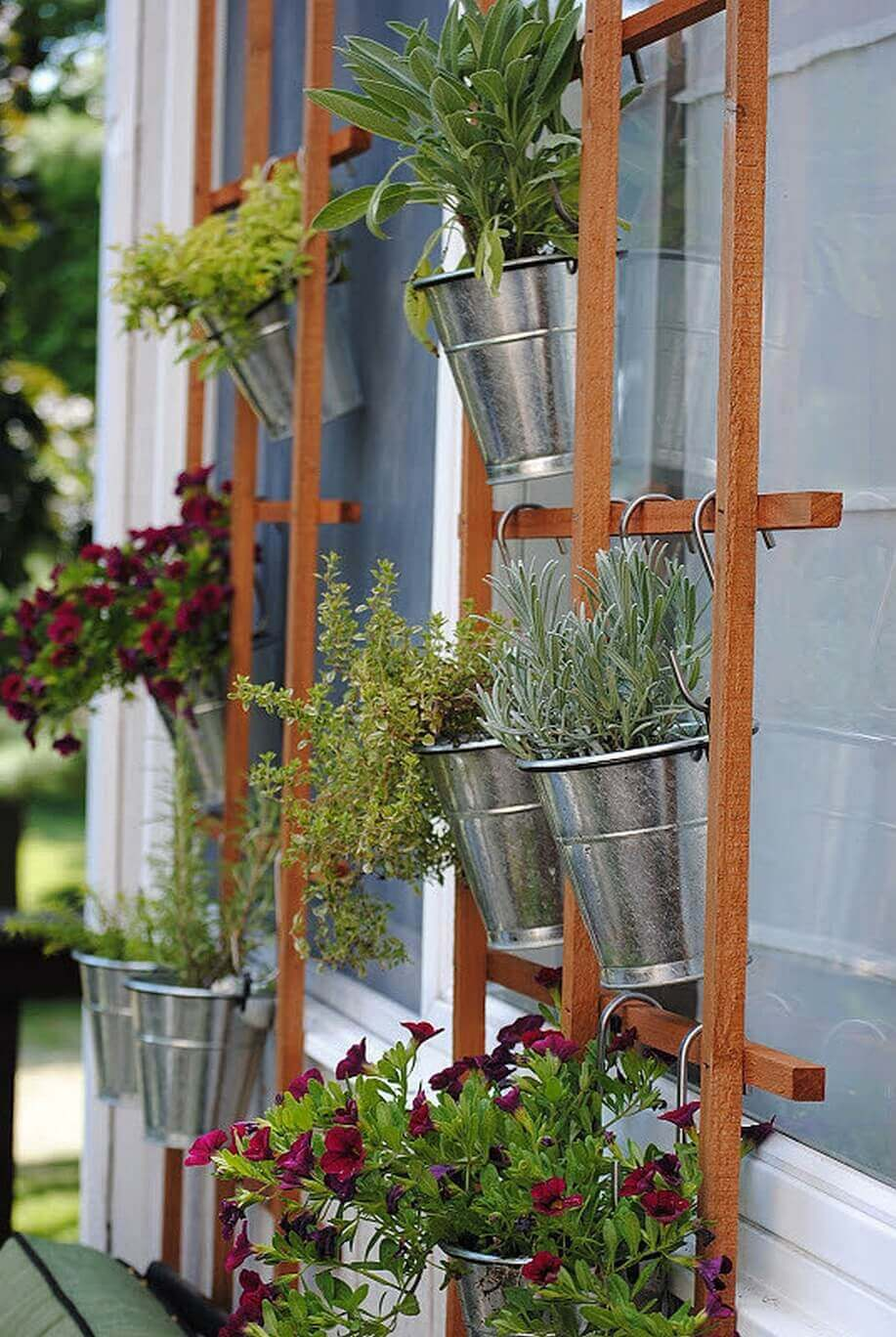 Superbe Simple Summertime Vertical Trellis Garden