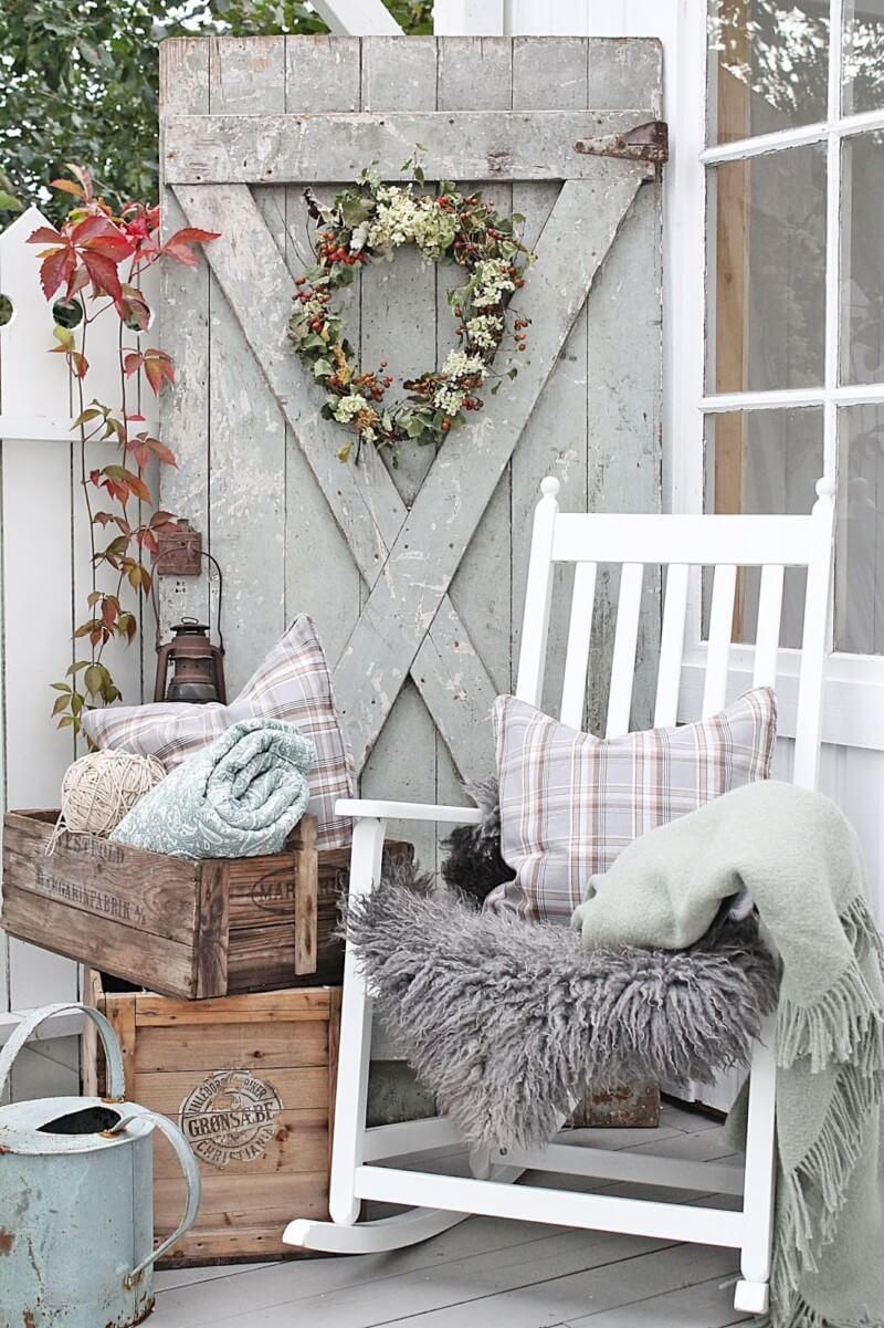 Barn Charm Rustic Farmhouse Porch Decor Ideas