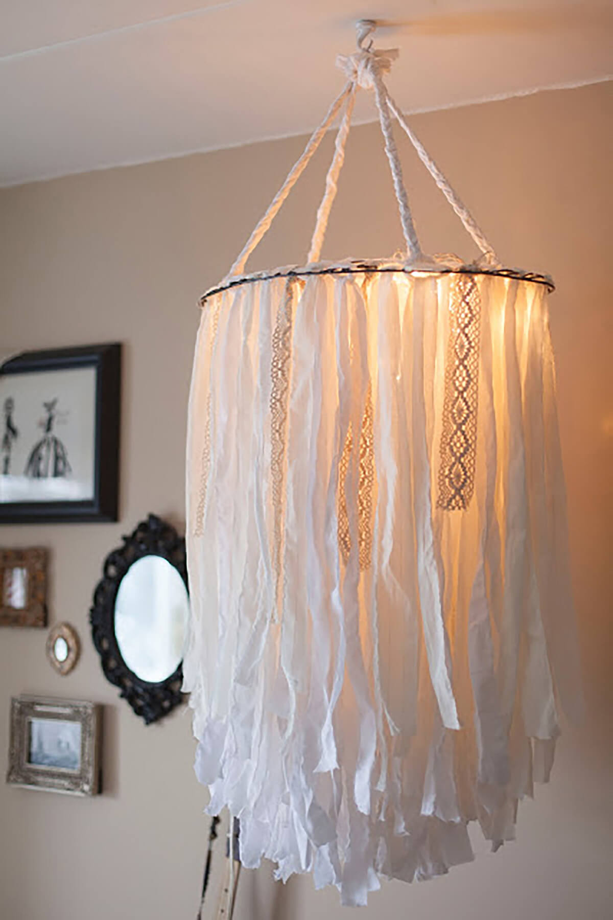 Luxurious Canopied Material Lampshade