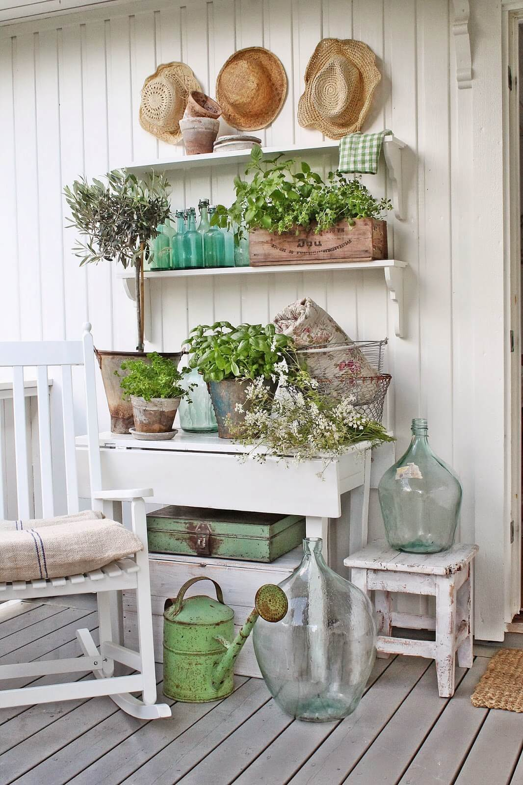 47 best rustic farmhouse porch decor ideas and designs for for Decoration jardin shabby