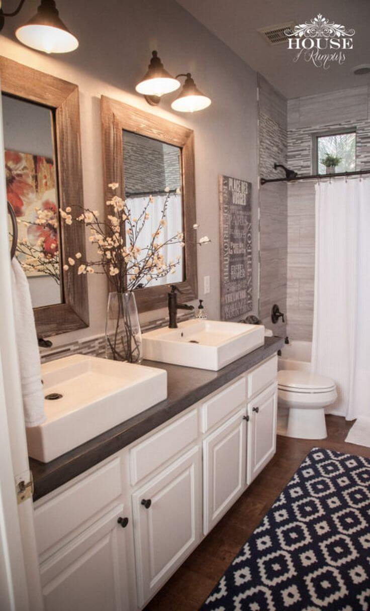 32 best master bathroom ideas and designs for 2018 for Master bathroom decorating ideas