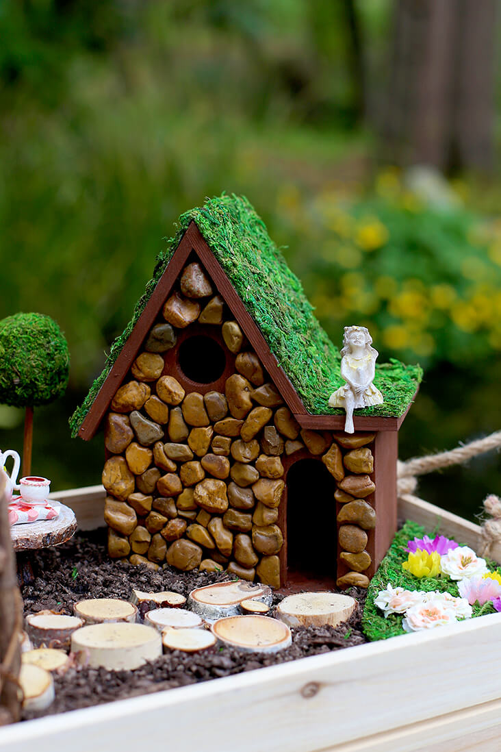 Suspended Summer DIY Fairy Garden Ideas