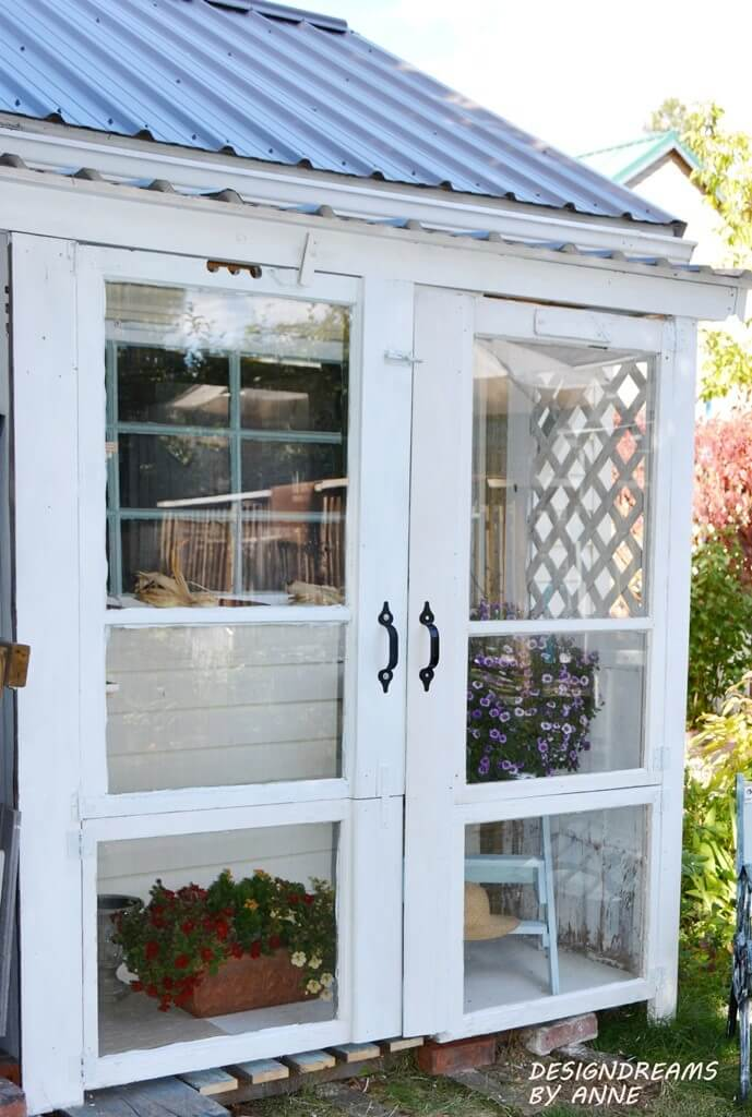 Full-Sized Windows Doors for Easy Sunlight Access