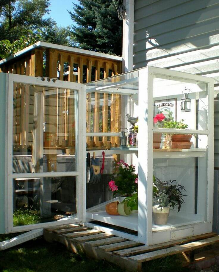 A Glass Box for Your Gardening Needs