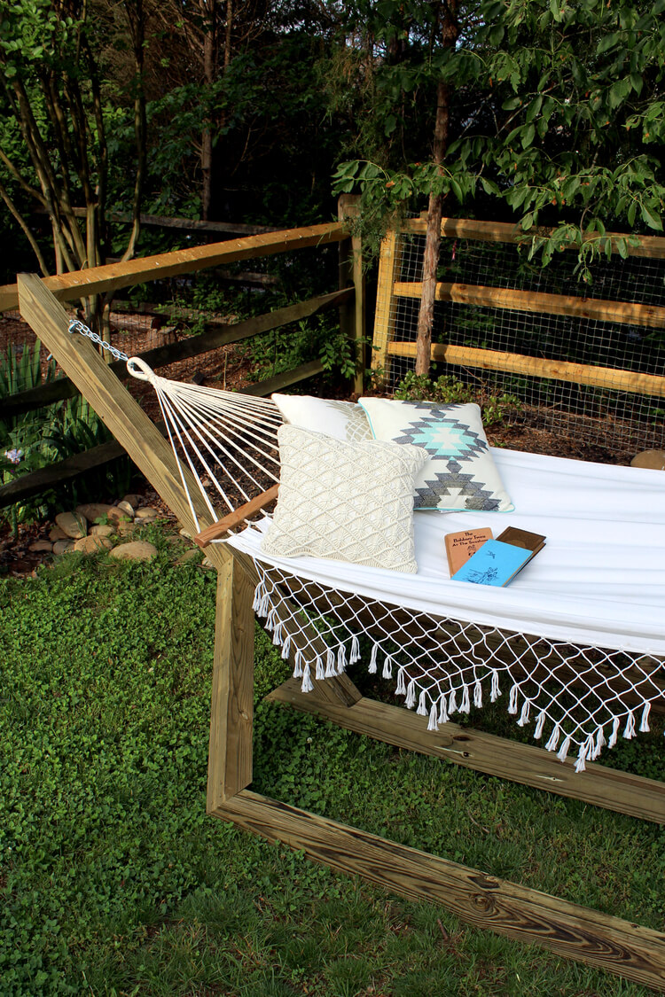20 sweet splendor diy summer hammock - Patio Furniture Ideas