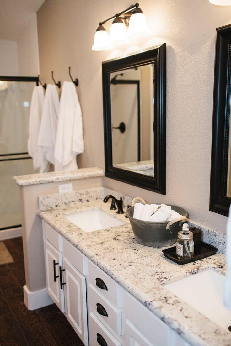 Black and White Formal Bathroom