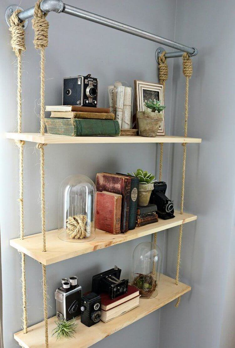 A Hanging Bookshelf for an Empty Corner