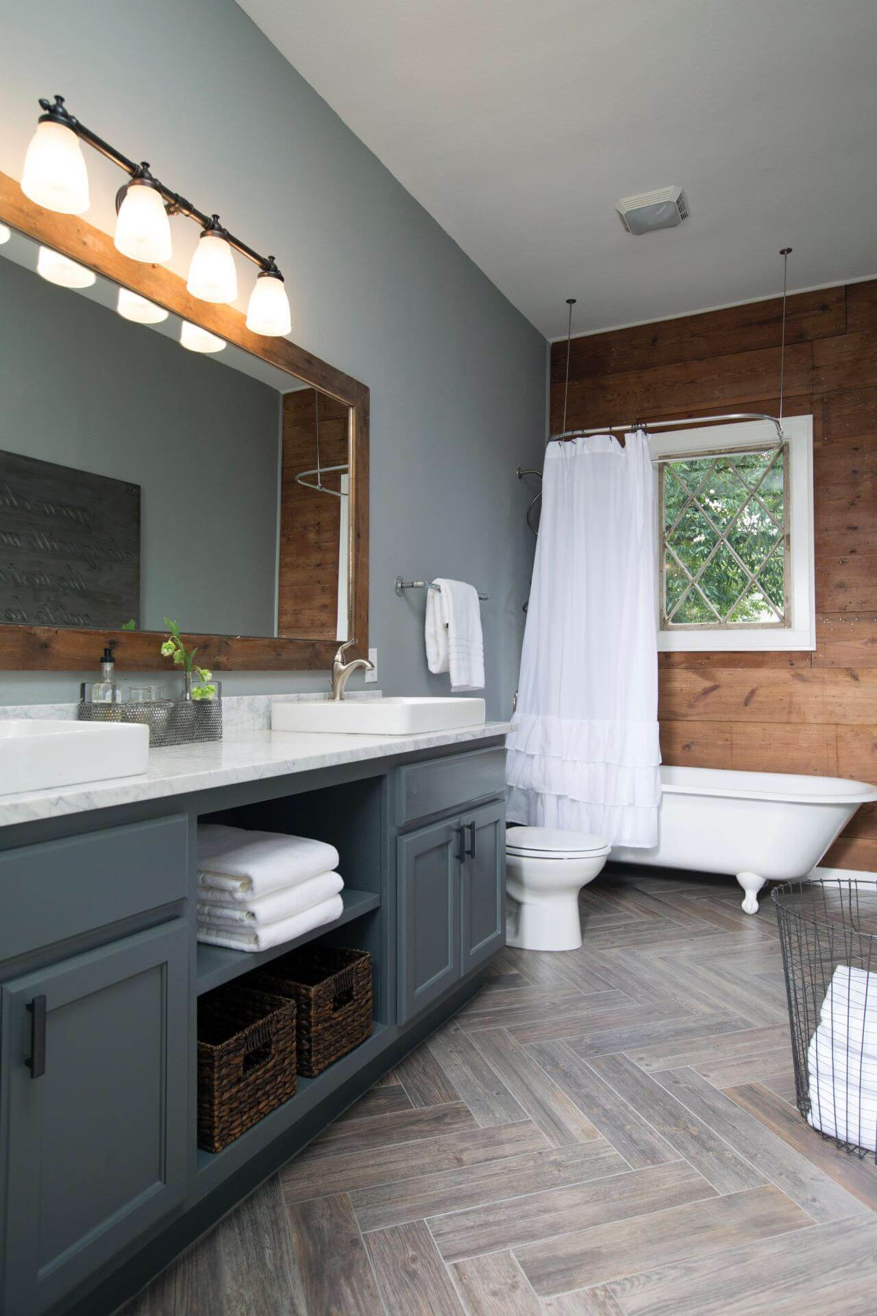 Updated Country Bathroom