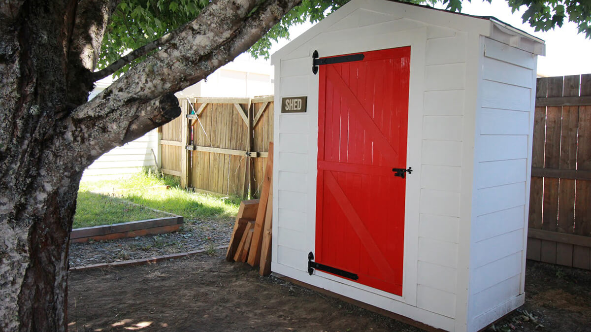 27 best small storage shed projects ideas and designs for Garden shed door designs