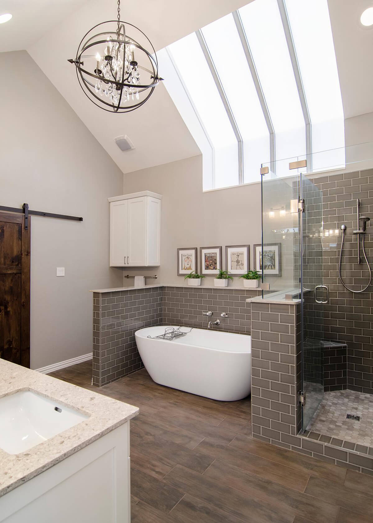 Ultra Chic Up-Town Bathroom