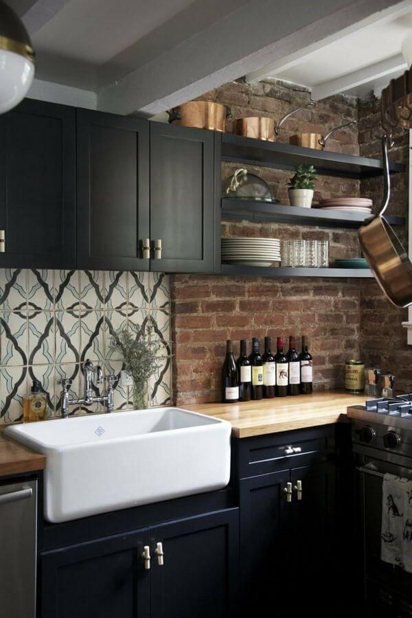 Use Black Matte to Compliment Focal Points