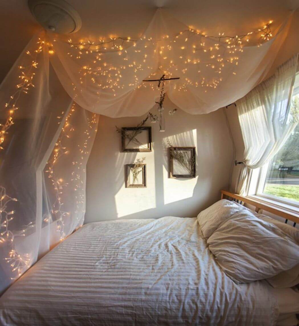Romantic bedroom interior Bold Colour Hanging Netandveil Northern Lights Homebnc 25 Best Romantic Bedroom Decor Ideas And Designs For 2019