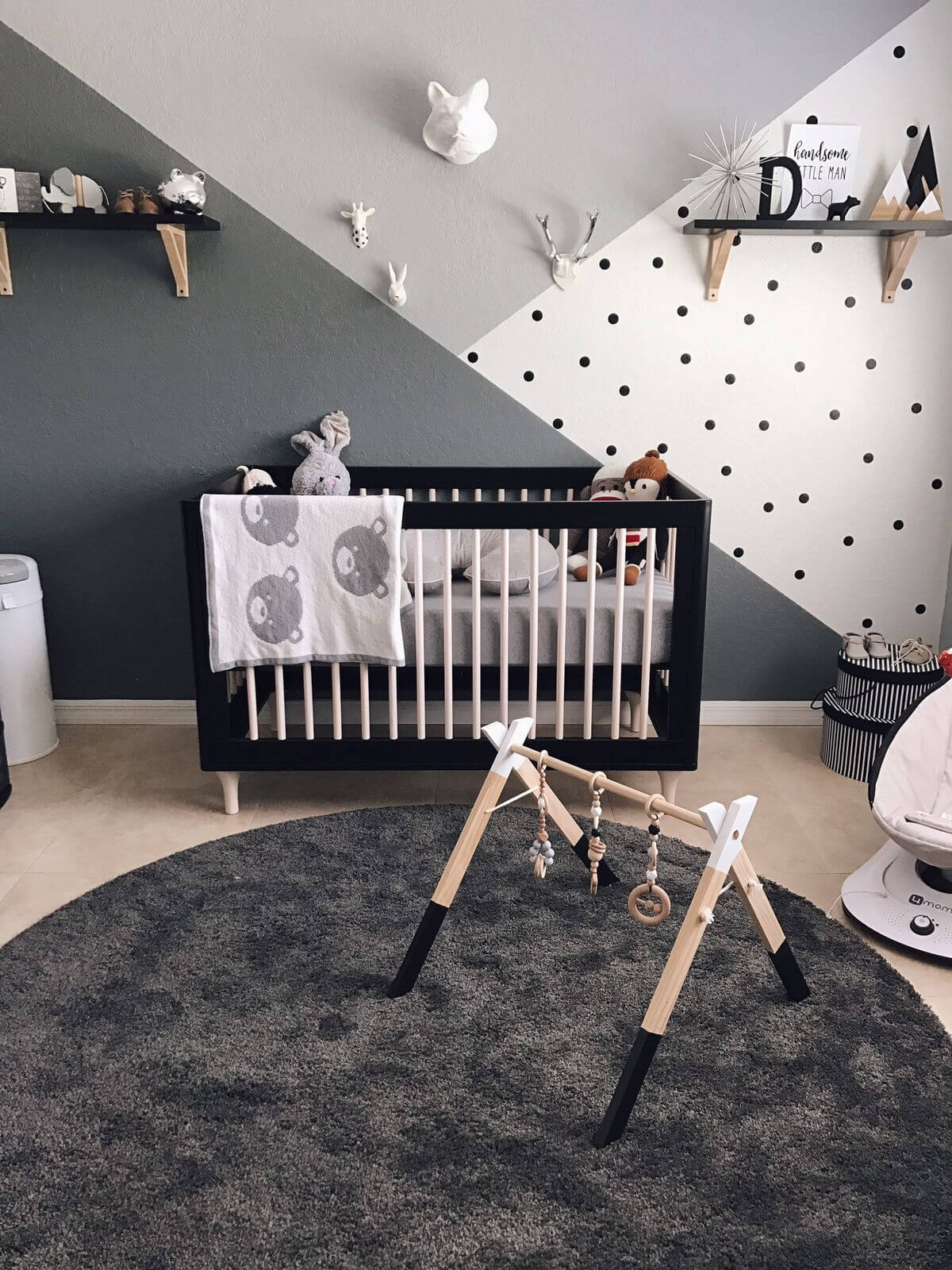 35 best nursery decor ideas and designs for 2017 for Black white and grey room decor