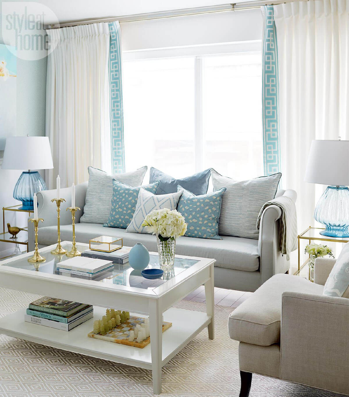 Blue Accents Against Warm Brown for a Summer Cottage Feel