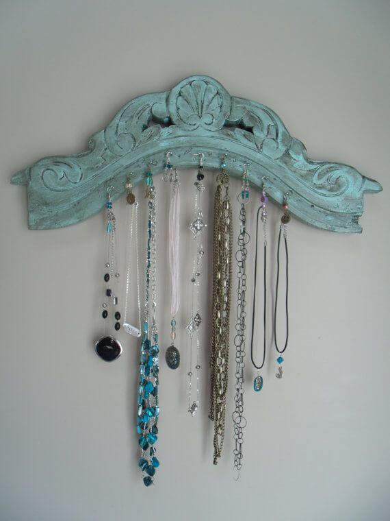 A Unique Way to Hang Your Necklaces