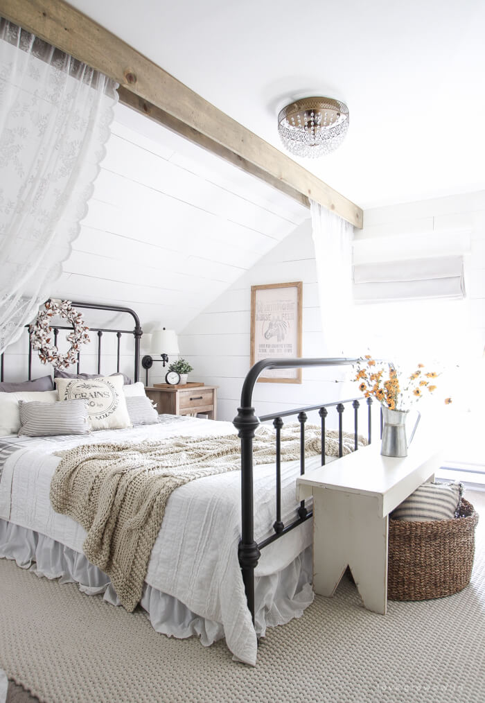 25+ Best Romantic Bedroom Decor Ideas and Designs for 2020 on Room Decor Ideas id=32576