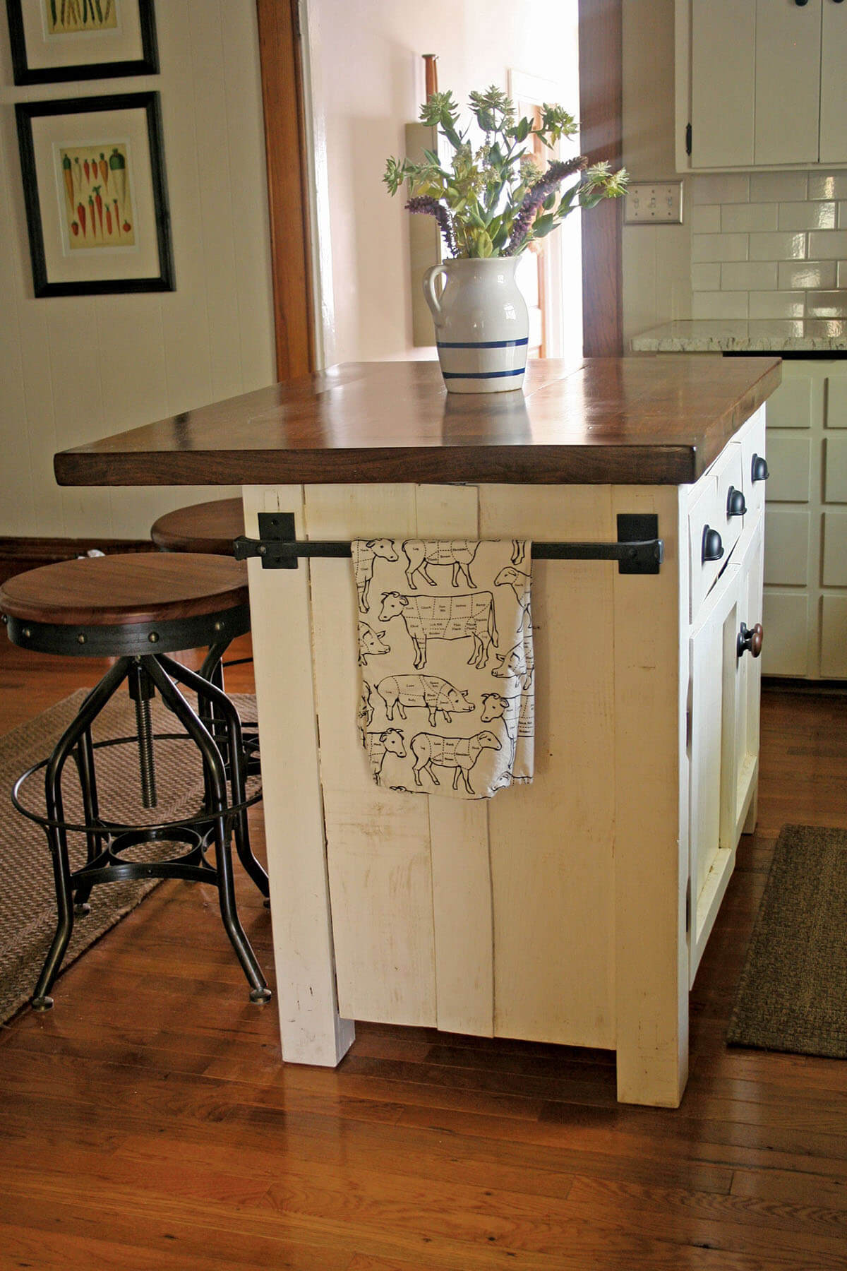 use paint and wood finish for that farmhouse look - Farmhouse Kitchen Island
