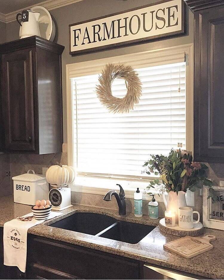 Farmhouse living room decorating ideas for your home for Farm style kitchen decor
