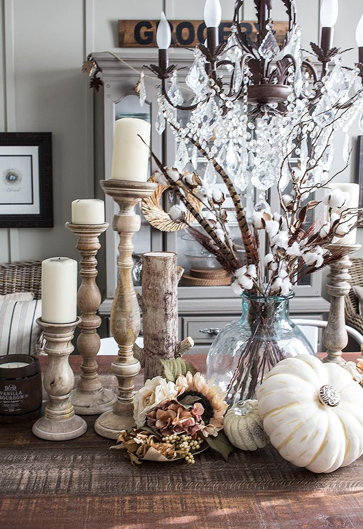 5. A Stunningly Sophisticated Harvest Centerpiece