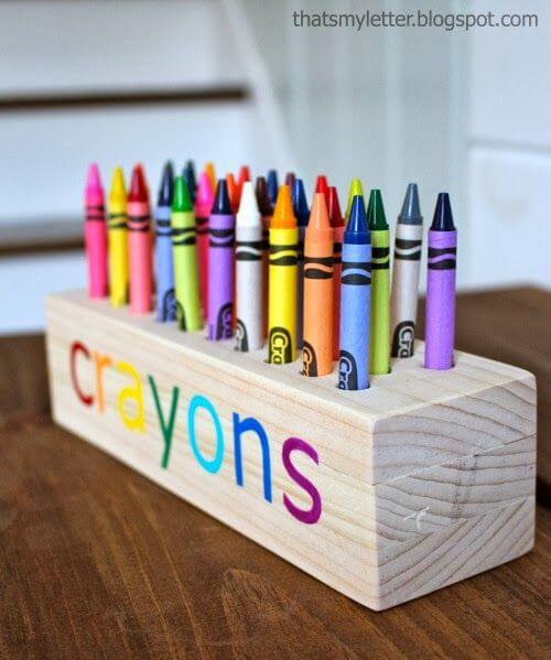 Unique Way to Organize Crayons