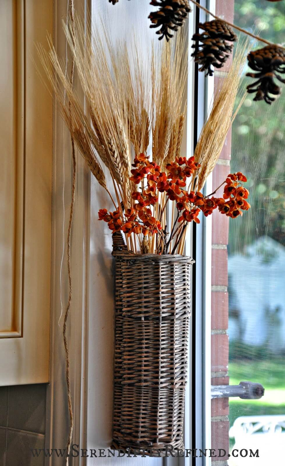 23 Amazing Farmhouse Fall Decorating Ideas
