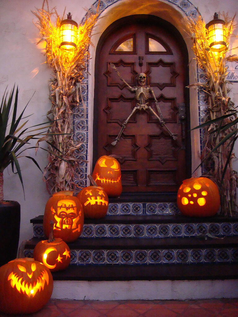 22 small porch style - Best Pumpkin Carvings