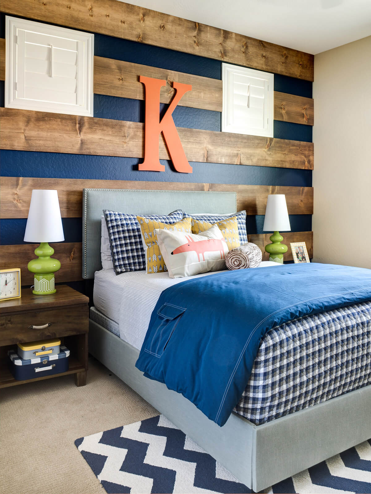 Beautiful Woodsy Blue Teenage Boy Room Decor Ideas
