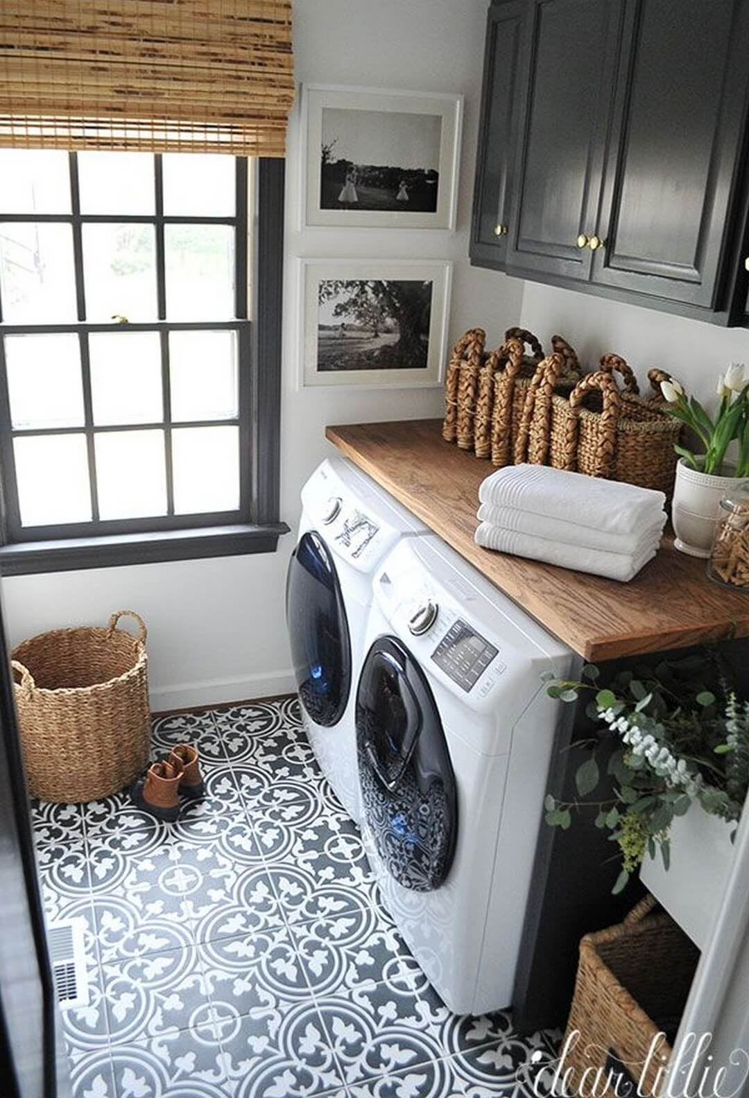 28 best small laundry room design ideas for 2018 for Laundry room floor ideas