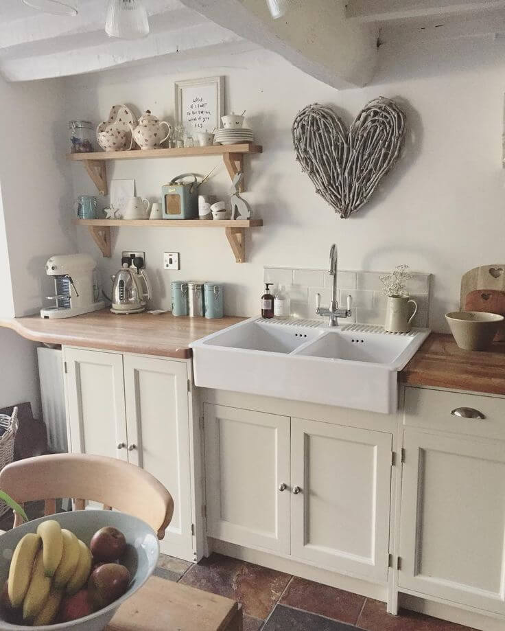 Charming Country At Heart Cottage Kitchen Decor