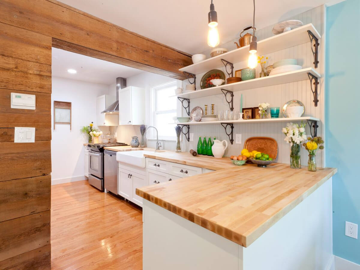 Woodsy Cottage Kitchen Design And Decorating Ideas