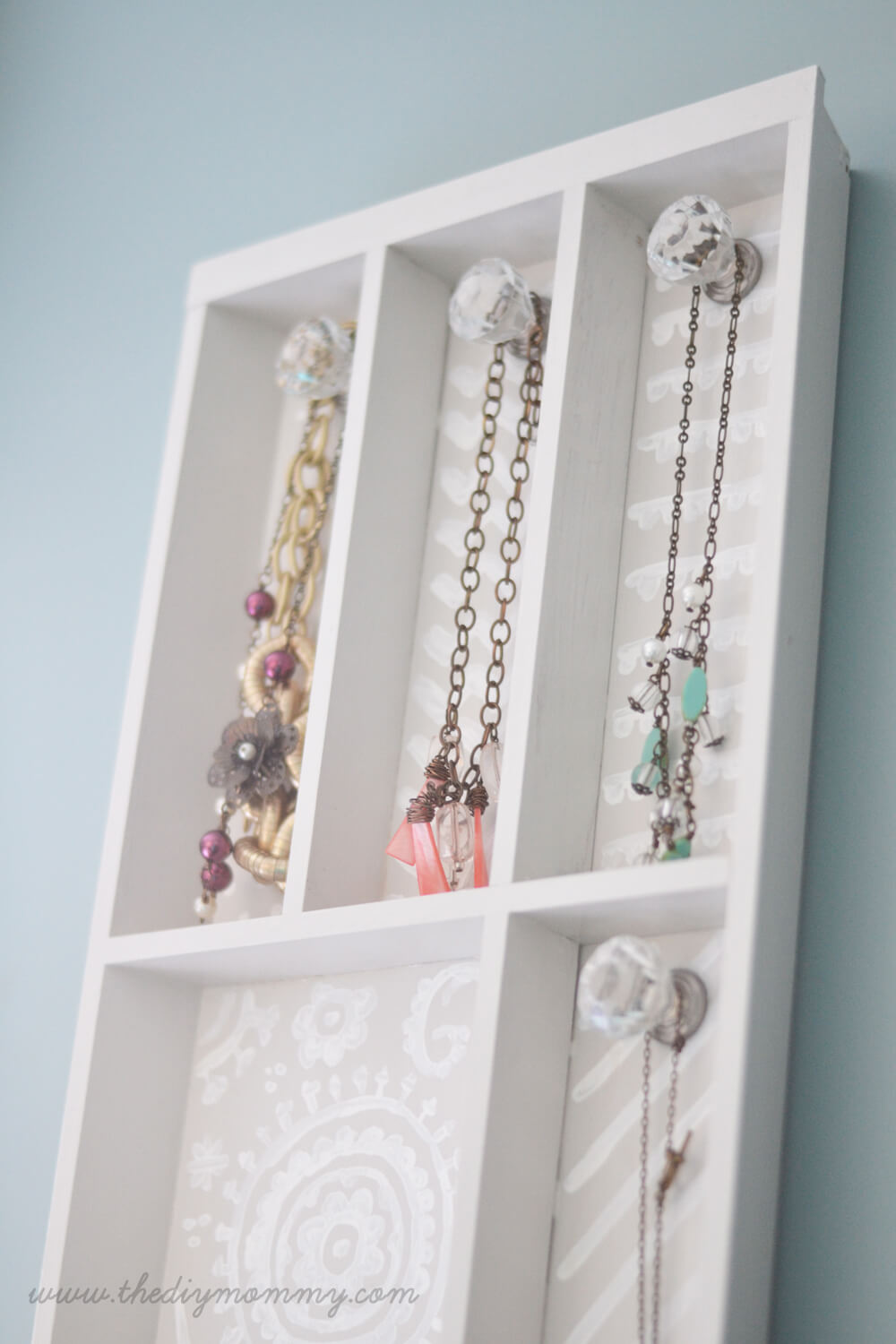 Drawer and Knob Necklace Separator