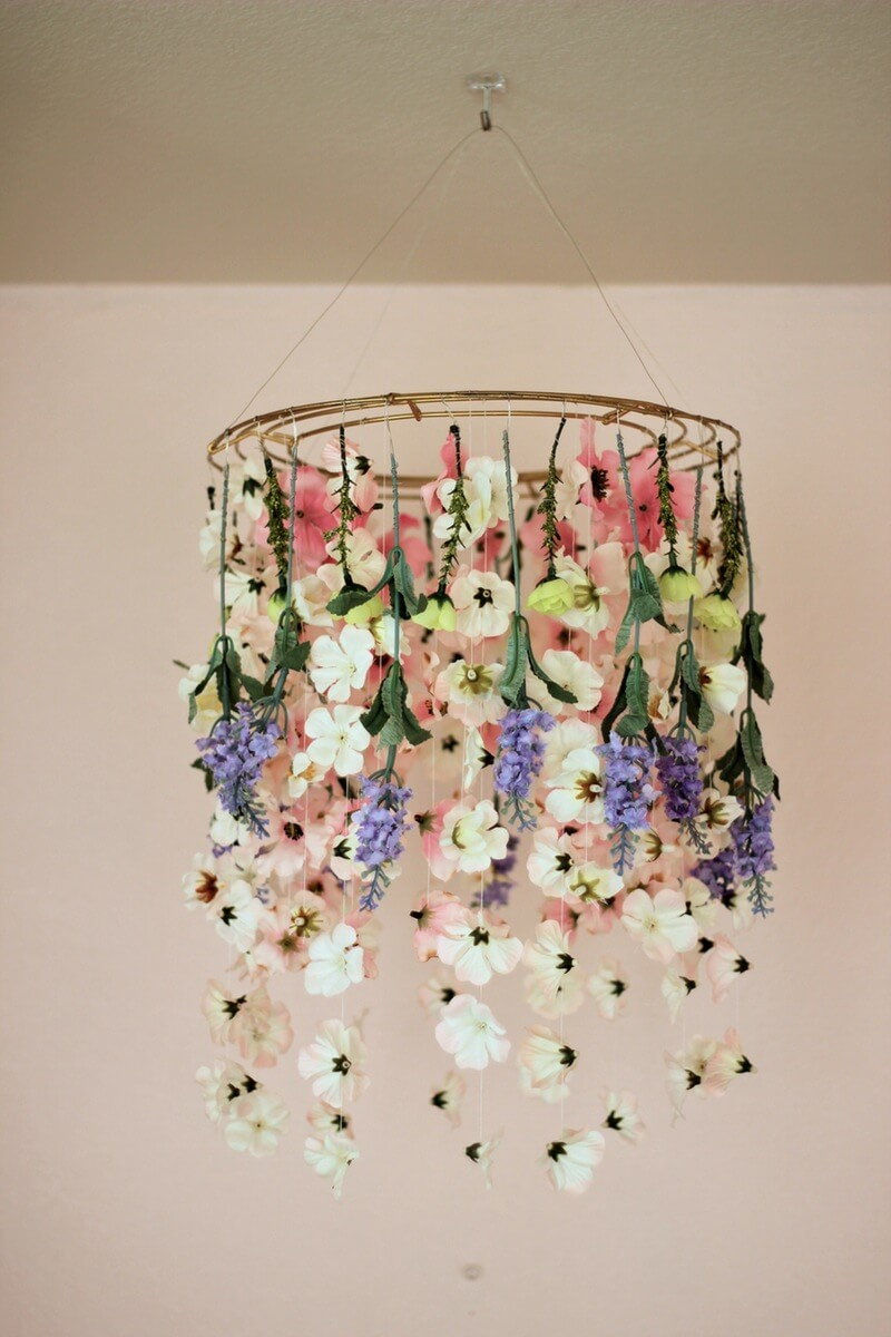 Beautiful DIY Hanging Floral Decor