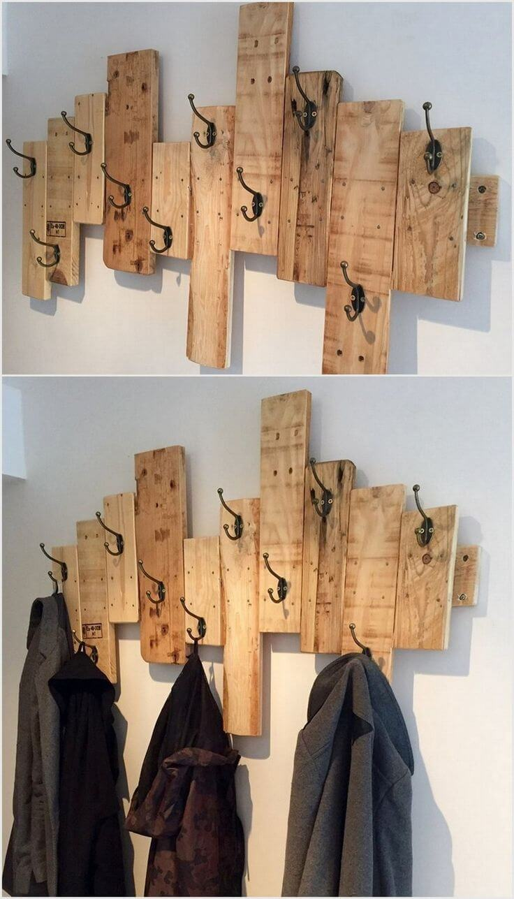 Coat Hook Ideas Part - 34: Staggered Barn Wood Wall-Mounted Coat Hanger