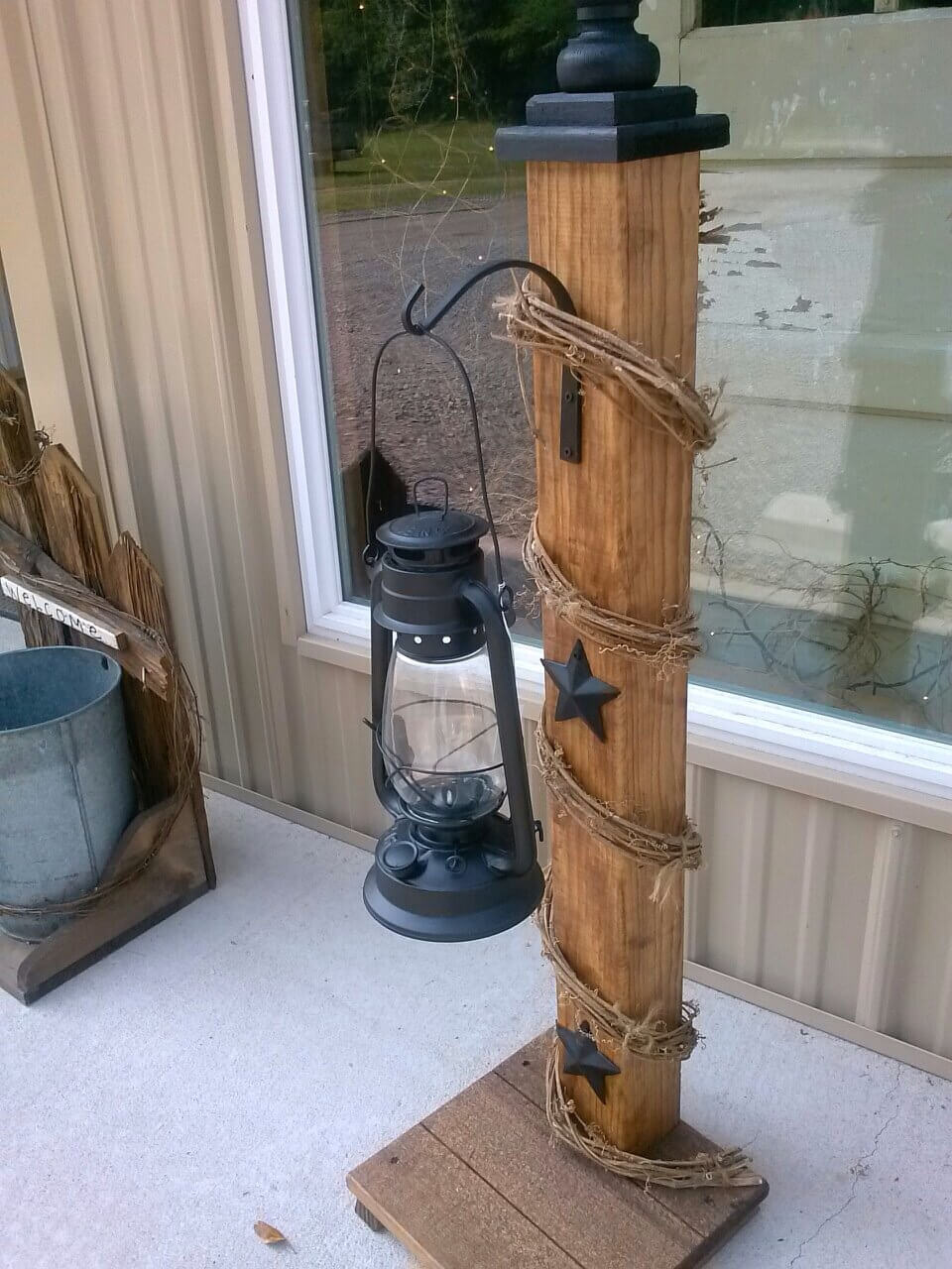 Rustic Front Porch Welcome Post Ideas
