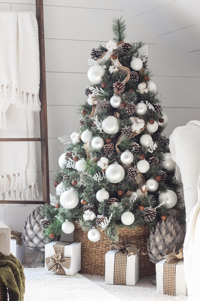 winter white pine cone christmas tree - Pine Cone Christmas Tree Decorations